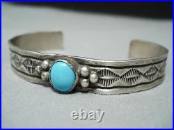 Beautiful Vintage Navajo Sleeping Beauty Turquoise Sterling Silver Bracelet